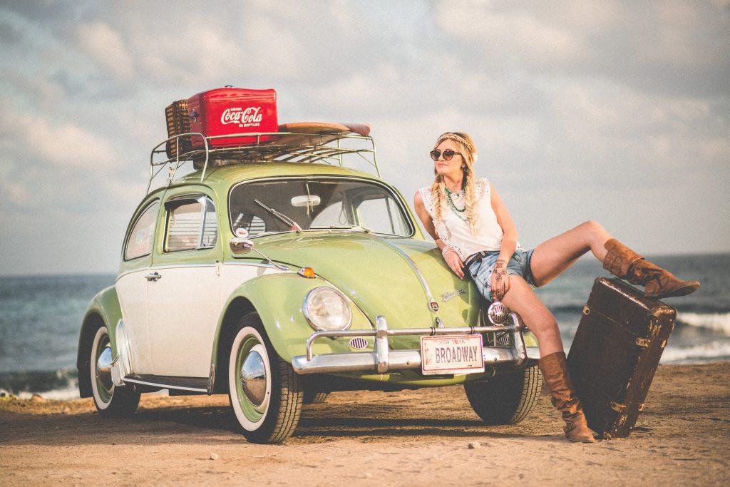 auto bij het strand